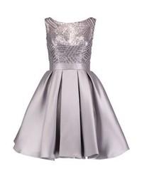 silbernes ausgestelltes Kleid von Luxuar Fashion