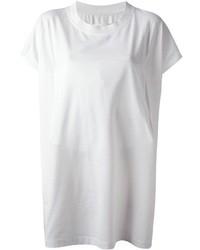 Ballerinas und ein T-Shirt mit einem Rundhalsausschnitt sind das Outfit Ihrer Wahl für faule Tage.