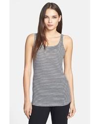 vertikal gestreiftes T-shirt