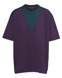 violettes T-Shirt mit einem Rundhalsausschnitt mit Chevron-Muster von Prada