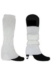 weiße Beinstulpen