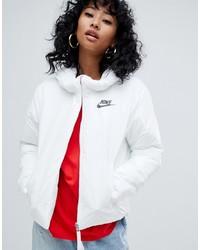weiße Daunenjacke von Nike