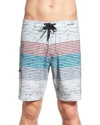 weiße horizontal gestreifte Shorts