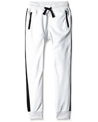 weiße Jogginghose