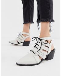 weiße Leder Stiefeletten mit Ausschnitten von ASOS DESIGN