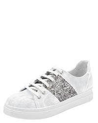 weiße niedrige Sneakers von Andrea Conti