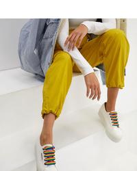 weiße niedrige Sneakers von Superga