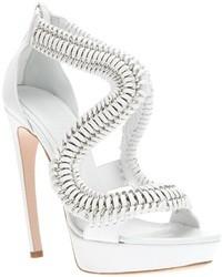 weiße Sandaletten von Alexander McQueen