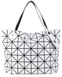 3d0bdfbbe06f4 ... weiße Shopper Tasche mit geometrischem Muster von Bao Bao Issey Miyake
