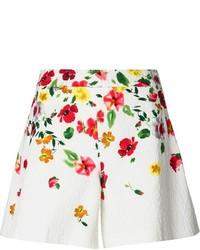 weiße Shorts mit Blumenmuster