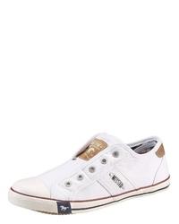 weiße Slip-On Sneakers aus Segeltuch von Mustang Shoes