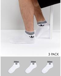weiße Socken von adidas