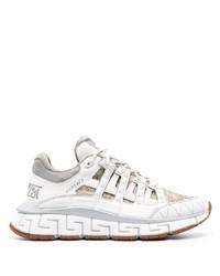 weiße Sportschuhe von Versace