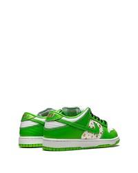 weiße und grüne Leder niedrige Sneakers von Nike