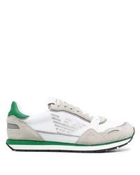 weiße und grüne Sportschuhe von Emporio Armani