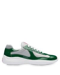 weiße und grüne Sportschuhe von Prada