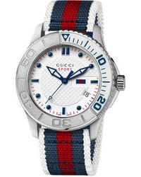 weiße und rote und dunkelblaue horizontal gestreifte Uhr