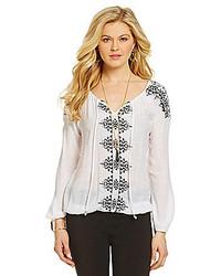 weiße und schwarze bestickte Folklore Bluse
