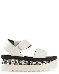weiße und schwarze flache Sandalen aus Leder von Stella McCartney