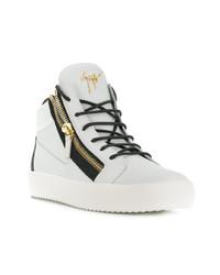 weiße und schwarze hohe Sneakers aus Leder