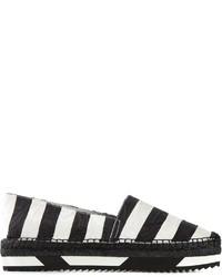 weiße und schwarze horizontal gestreifte Espadrilles