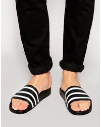 weiße und schwarze horizontal gestreifte Gummi Sandalen