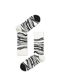 weiße und schwarze horizontal gestreifte Socken