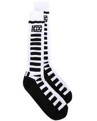 weiße und schwarze horizontal gestreifte Socken von Kokon To Zai