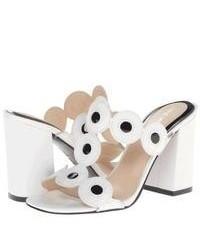 weiße und schwarze Leder Sandaletten