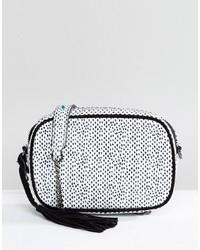 weiße und schwarze Leder Umhängetasche von Suncoo