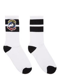 weiße und schwarze Socken von Moschino