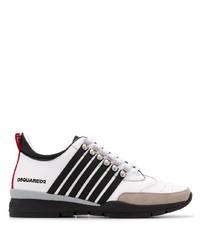 weiße und schwarze Sportschuhe von DSQUARED2
