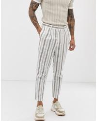 weiße vertikal gestreifte Anzughose
