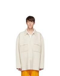 weiße Wollshirtjacke