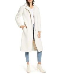 weißer Fleece-Mantel