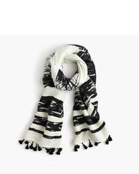 weißer horizontal gestreifter Schal
