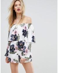 weißer kurzer Jumpsuit mit Blumenmuster von Missguided