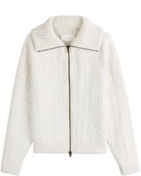 weißer Pullover mit einem Reißverschluß