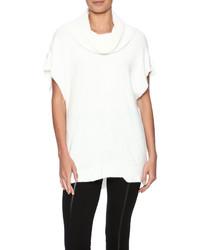 Weißer Pullover mit weitem Rollkragen