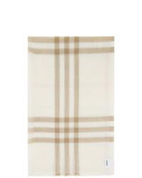 weißer Schal mit Schottenmuster