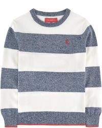 weißer und blauer horizontal gestreifter Pullover