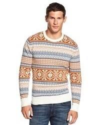 weißer und brauner Pullover mit einem Rundhalsausschnitt