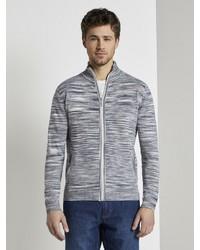 weißer und dunkelblauer Pullover mit einem Reißverschluß von Tom Tailor