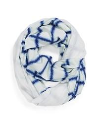 weißer und dunkelblauer Schal