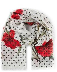 weißer und roter bedruckter Schal