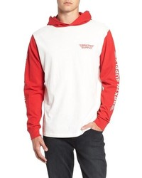 weißer und roter Pullover mit einem Kapuze
