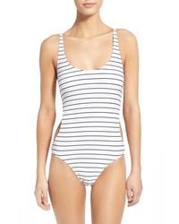 weißer und schwarzer horizontal gestreifter Badeanzug