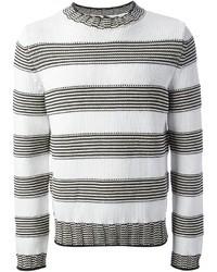 weißer und schwarzer horizontal gestreifter Pullover mit einem Rundhalsausschnitt