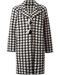 weißer und schwarzer Mantel mit Hahnentritt-Muster