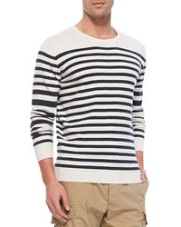 weißer und schwarzer Pullover